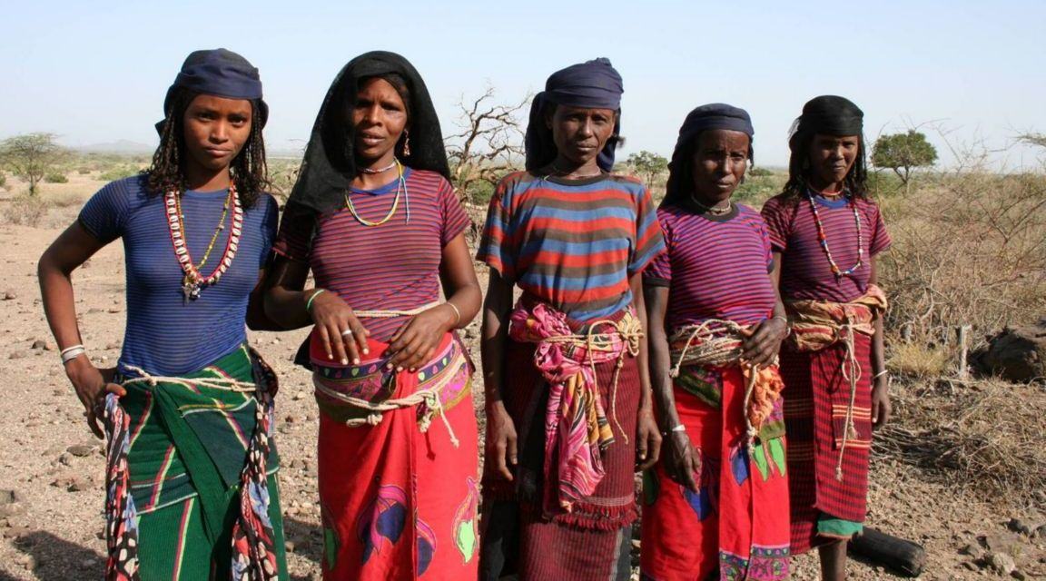 these-are-women-from-the-afar-people-addis-ababa-ethiopia1152_13027730064-tpfil02aw-8453